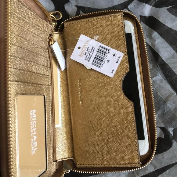 16380ee13dbf Michael Kors Bags | Wristlet Wallet Phone Case Mercer | Poshmark